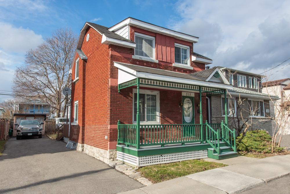 Main Photo - Real Estate Listing